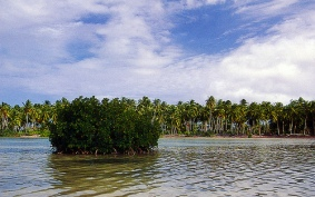Hithadhoo fresh water lake