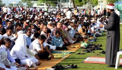 Eid Al-Fitr men prayers