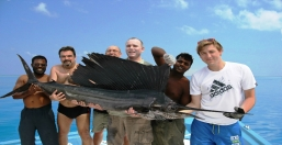Marlin team pose www.cruise-maldives.com