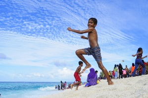 kids playing local island guest houses accommodations maldives www.cruise-maldives.com