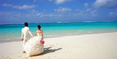 honeymoon beach wwwcruise-maldivescom